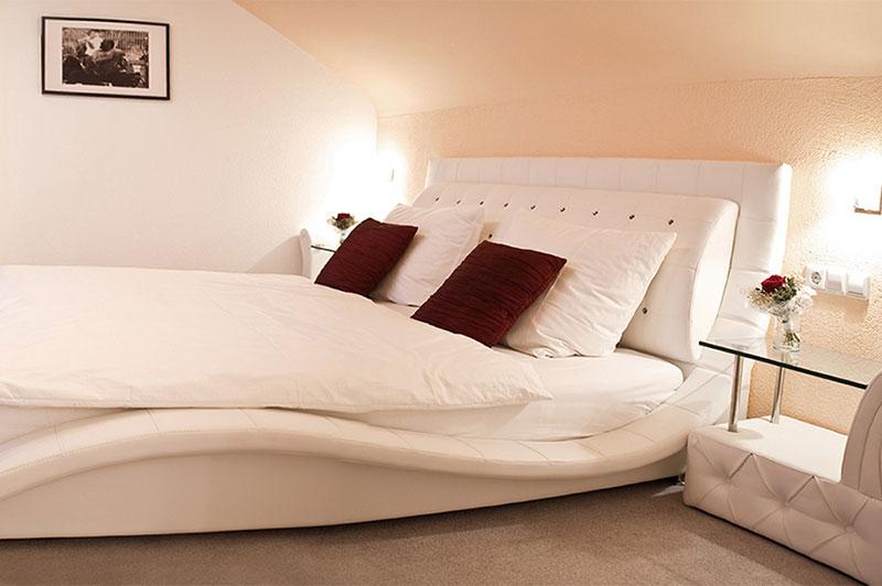 http://www.krone-schwieberdingen.de/junior-suite